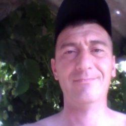 Парень ищет девушку в Мурманске для секса без обязательств