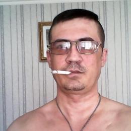 Парень из Москвы. Ищу девушку, стройную для приятного интимного времяпрепровождения