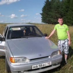 Парень ищет девушку для массажа на дому в Мурманске